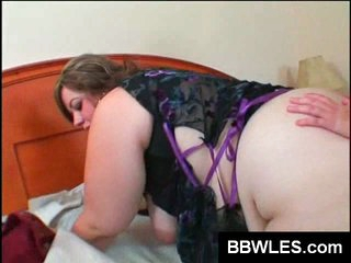 BBW lesbian babes toy their fat cunts